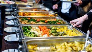 plats self service dans une école