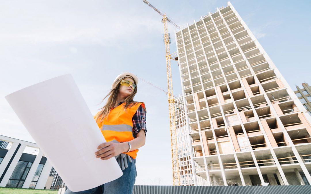 Image représentant une femme sur un chantier, pour notre article sur l'événement agir au féminin