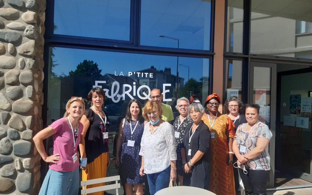 Collectif des participants du PLIE devant la Fabrique solidaire de Toulouse