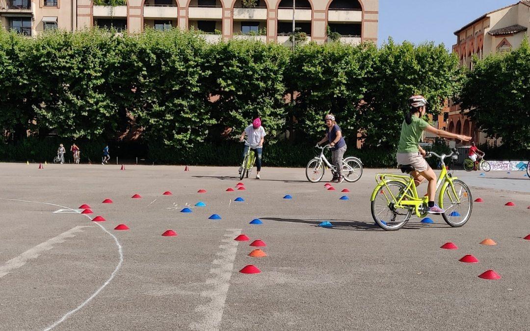 Cours de vélo place de l'europe à Toulouse